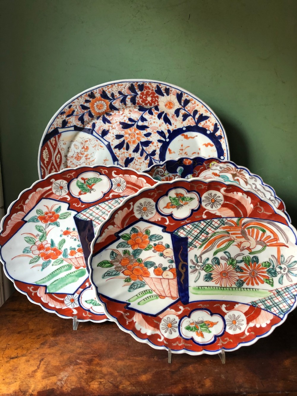 collection of 4 late c19th japanese porcelain oval cabinet plates or dishes decorated in the imari palette